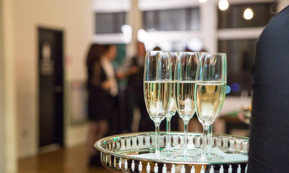 pre pour sparkling wine